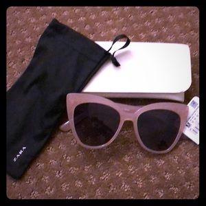 NWT Zara nude/pale pink cat eye sunglasses